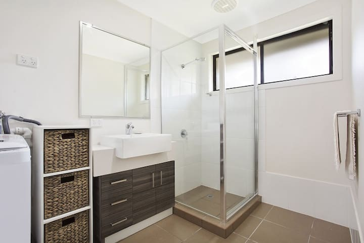 Great Price Gold Coast Home Privacy