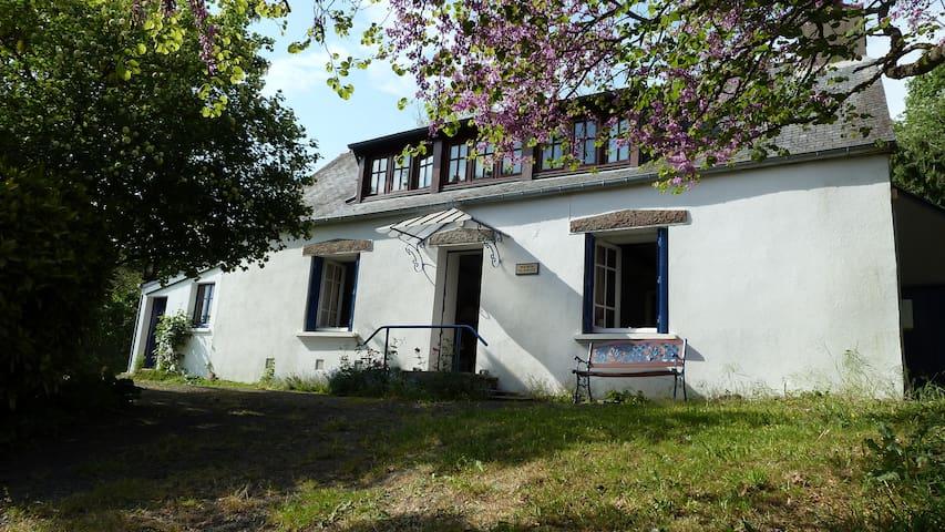 Breton Cottage ( Maison du Soleil ) - Locarn - Casa