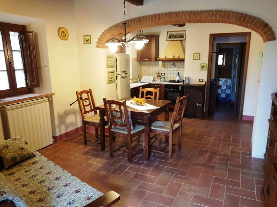 Vista 2 - Soggiorno/Cucina
