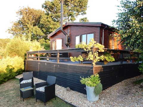 'Beachy Shed' - Luxury Holiday Lodge