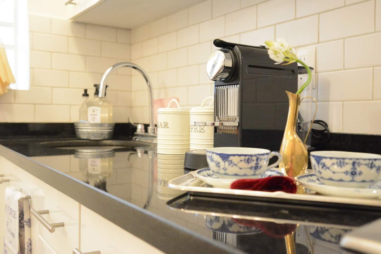 VRBO Mexico City: Nespresso machine in the kitchen