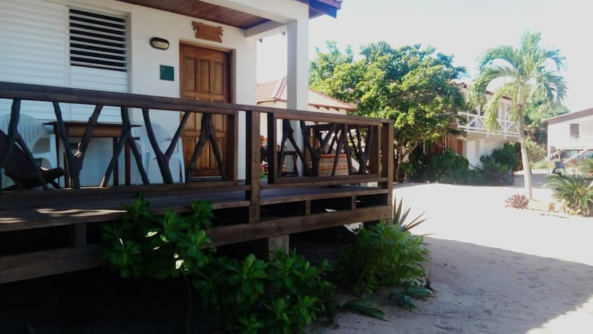 1 · 1  · Hopkins Inn - Magnolia Cabana Standard Rate