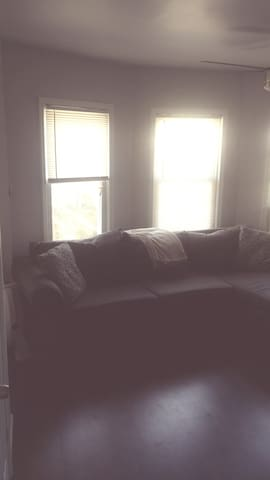 Welcoming home -private bedroom near EWR/NYC area