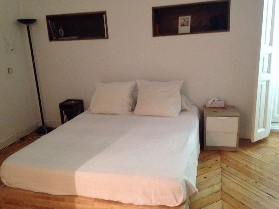 double bed room with in suite full batroom