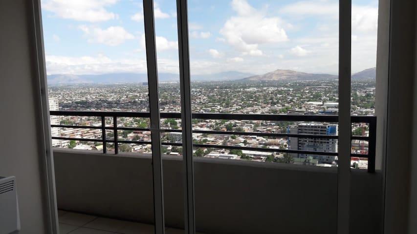 Central, conectividad, vista panoramica Santiago.
