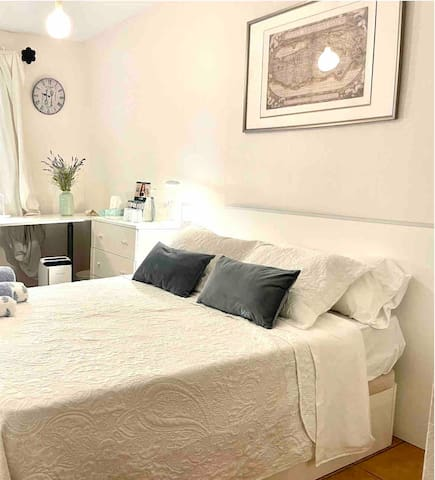 Bedroom 2 is available for bookings with more than 2 guests. If you are only 2 guests and wish to have the use of both rooms, please enquire about extra charge.