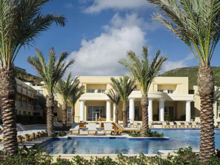 Beautiful Hotel Suite at Dawn Beach Club