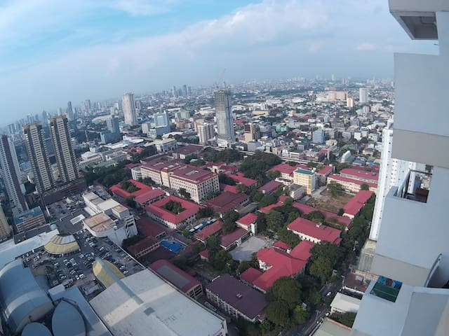 Wide angle view to manila. Red roof buildings are manila hospital and manila university area.