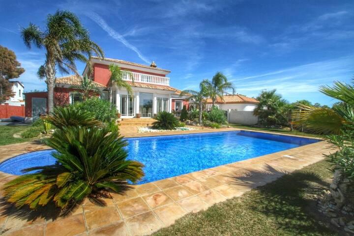 HARLEY Gran villa piscina privada y Wifi gratis