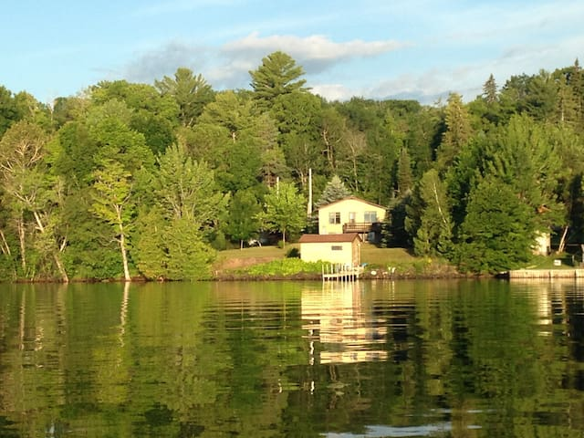 Fully furnished house on Portage Lake and US41