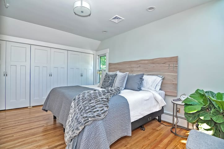 The main bedroom features a fully adjustable, massaging bed.