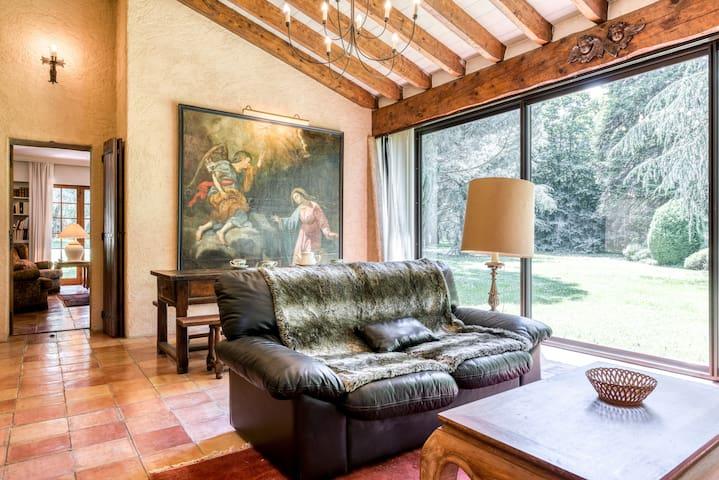 Villa provençale avec Spa dans un parc arboré