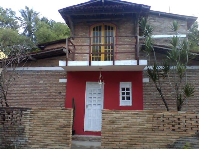 Casa à 100mts da praia de Riacho Doce - Maceió - House