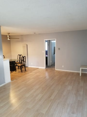 Explore LA  full 1 Bedroom apt.