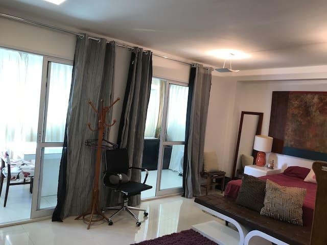 Apartamento/ Studio semi mobiliado