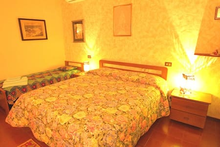 B&B Douce France (camera verde), bagno privato. - Cappelletta - Bed & Breakfast