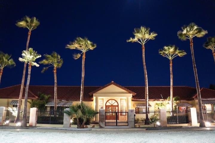 """Coco Garden Villas """"mansion villa""""Near Beach 25p"""