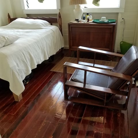 Single Room in BEST LOCATION, Georgetown
