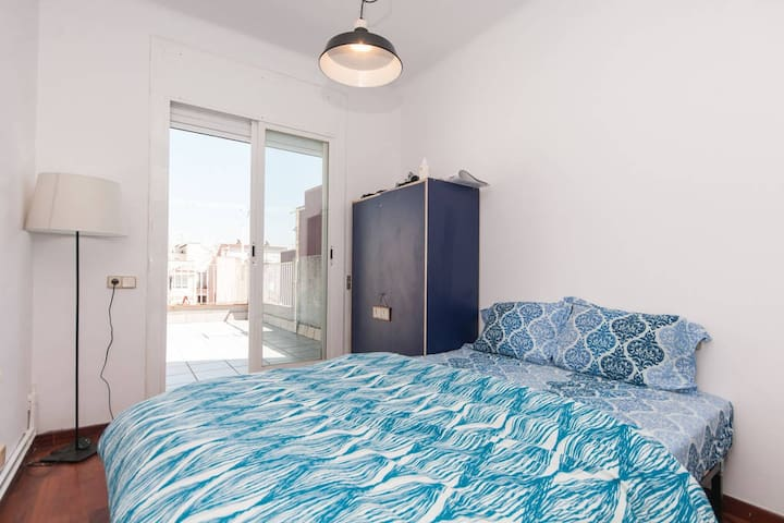 Sunny Double Bedroom With Terrace in City Center - Barcelona - Lejlighed