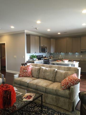 Luxury Auburn Condo Perfect Location