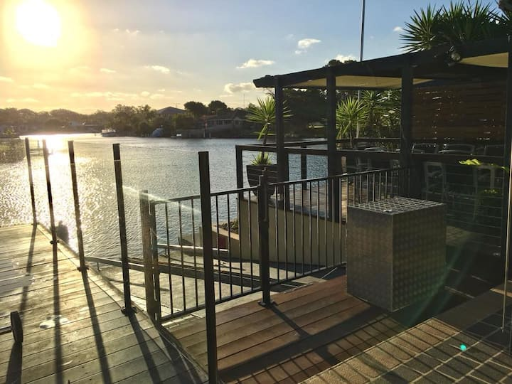 Grand Riviera Forster- waterfront, pool, wharf