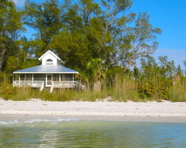 Sea Star Beachhouse on Little Gasparilla Island - Rumah