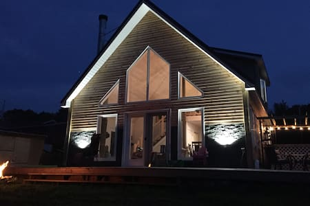 New - Tatamagouche Waterfront Chalet!