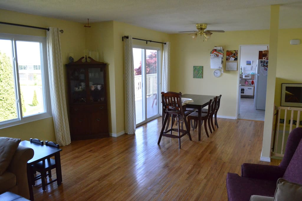 Eating area and sliding door to deck from living room