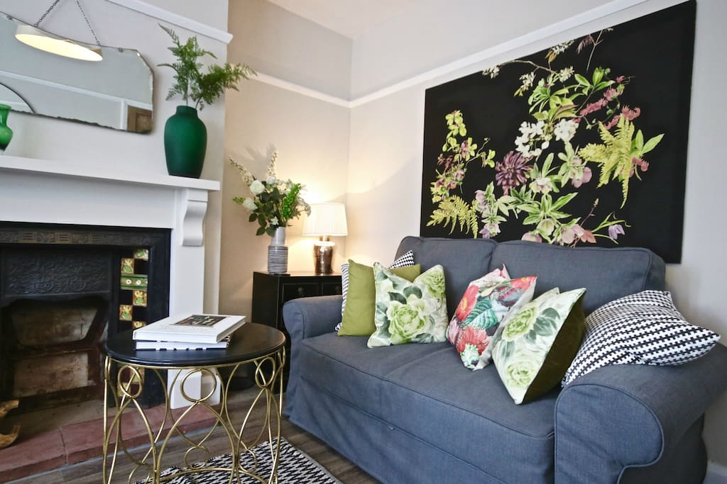 With period features and botanical designs you will love the living room. A large flat screen with Sky TV and DVD player to add to your entertainment with your favourite glass of vino.