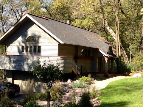 Minnetonka Home - Secluded and Peaceful