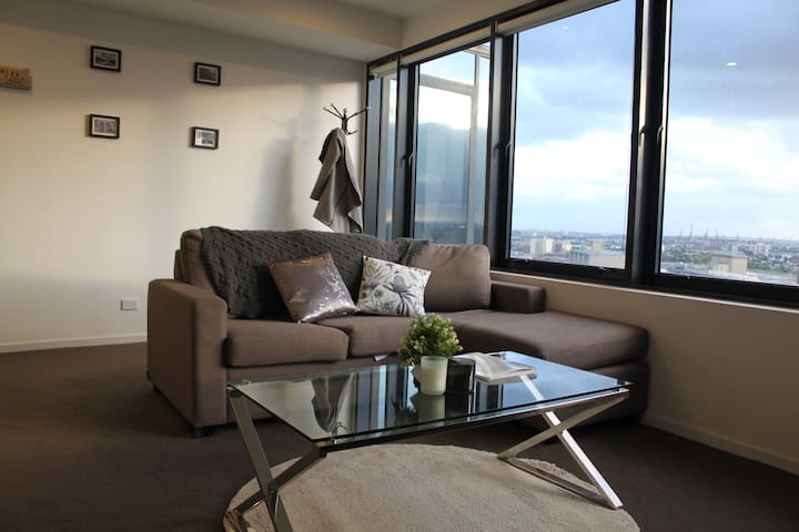 2BR/Beautiful View/Tram Stop 59/FREE Car Park