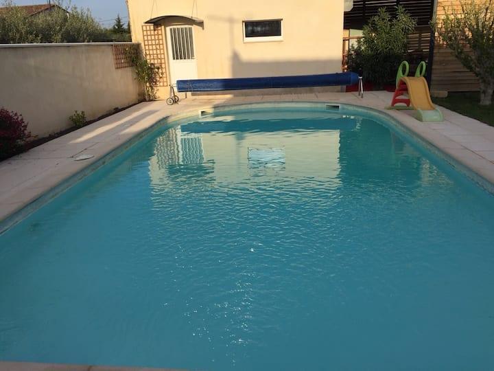 Superbe studio tout confort avec piscine