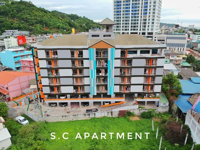 SC Apartment Sriracha