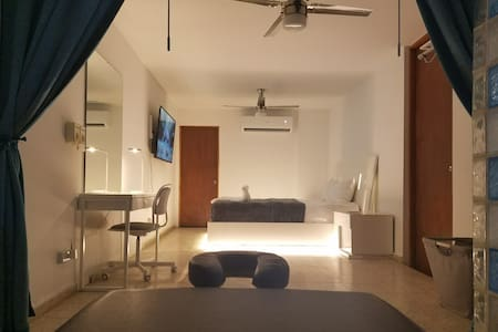 Perfect apartment for layover, close to airport