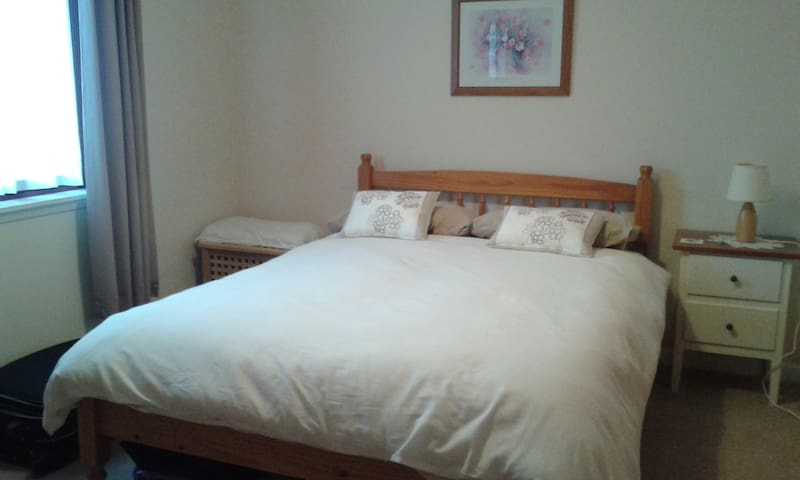Comfortable double room available - Alford - House
