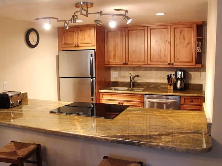 Vail Intll-Ground Level 2BR/2BA Condo-Nice Kitchen