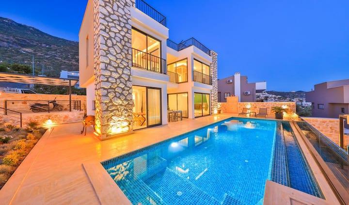 Oyku's House