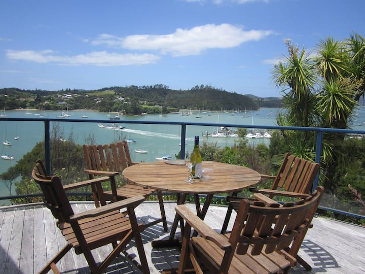 Crows Nest Villas, Opua - Sails