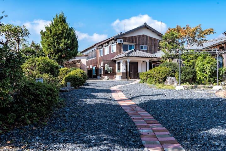 Tatami family room for 6