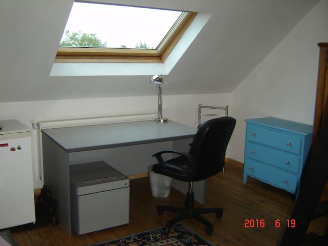 Jolie chambre calme avec lit mezzanine 2 places - Valenciennes - Rivitalo