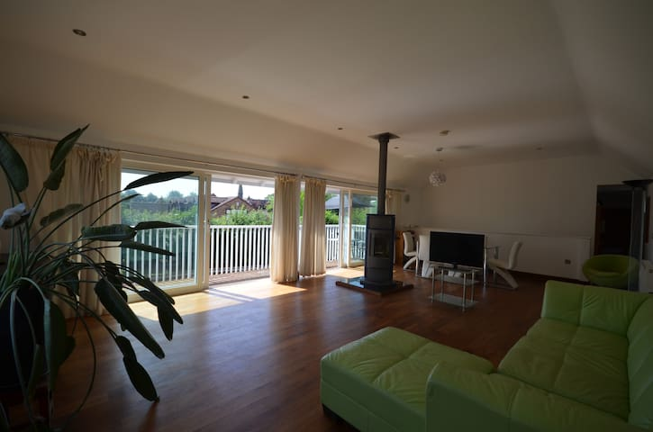 Designer 4 bed family home with river views