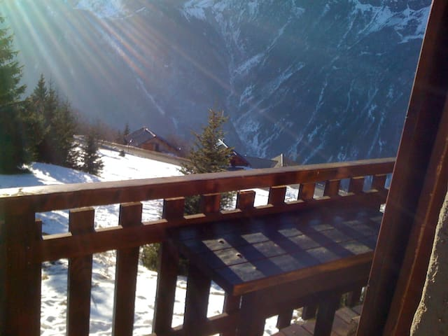 SKI APARTMENT ON THE PISTES 25m ²