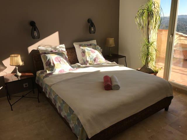 Chambre avec terrasse privée