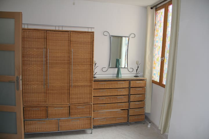 Bedroom 2 - wardrobes