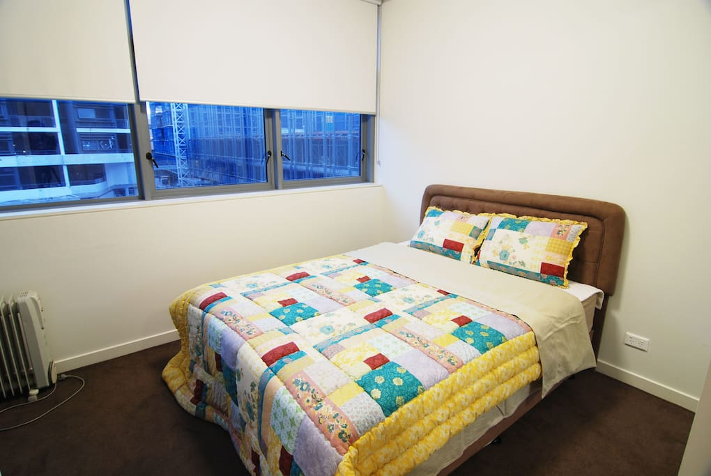 We have two types of 1 bedroom apartment. This photo may differ from the actual.