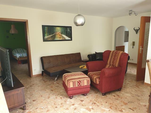 Helle Wohnung mit 2 Schlafzimmern und Terasse