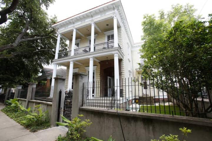 Authentic New Orleans Pied-A-Terre