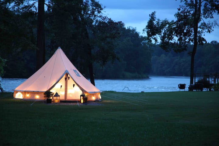 Glamping Riverfront w Private Pavilion WiFi + view