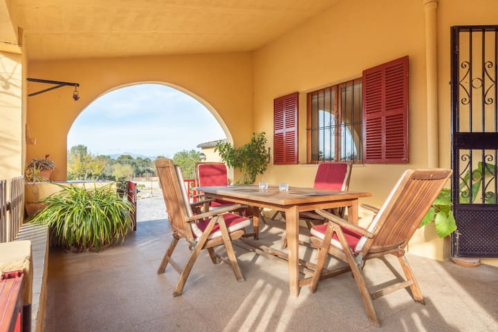 Fantastic Finca with Wi-Fi, Air Conditioning, Garden and Terrace