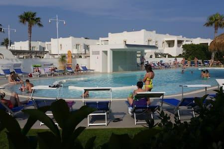 Casa Vacanze zona Mare in Residence con Piscina - Santa Maria del Focallo